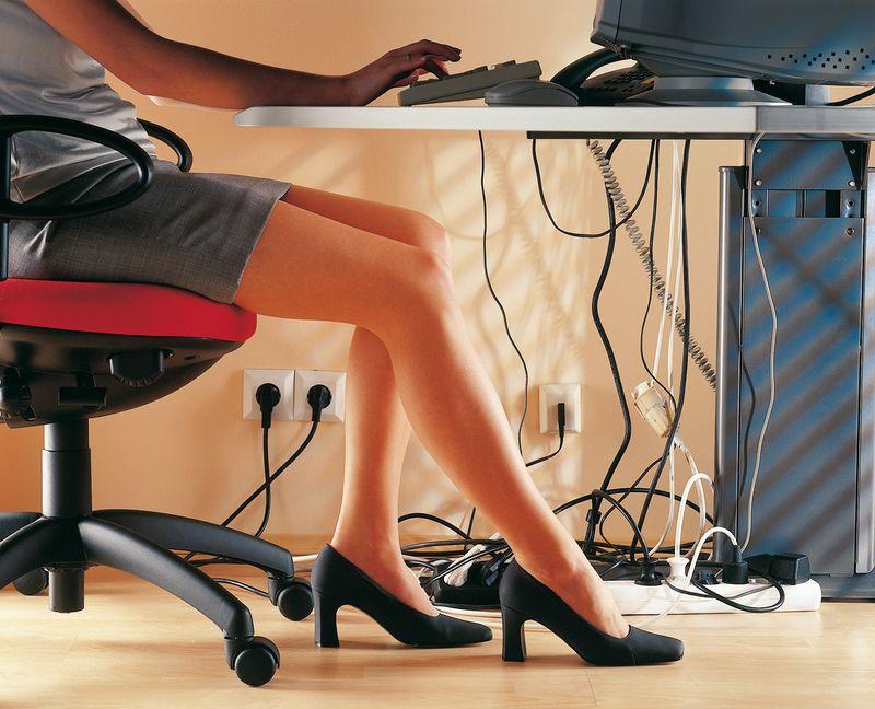 3 tipps f rs home office ohne kabelsalat voltimum. Black Bedroom Furniture Sets. Home Design Ideas